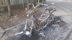 moto cramée, feu